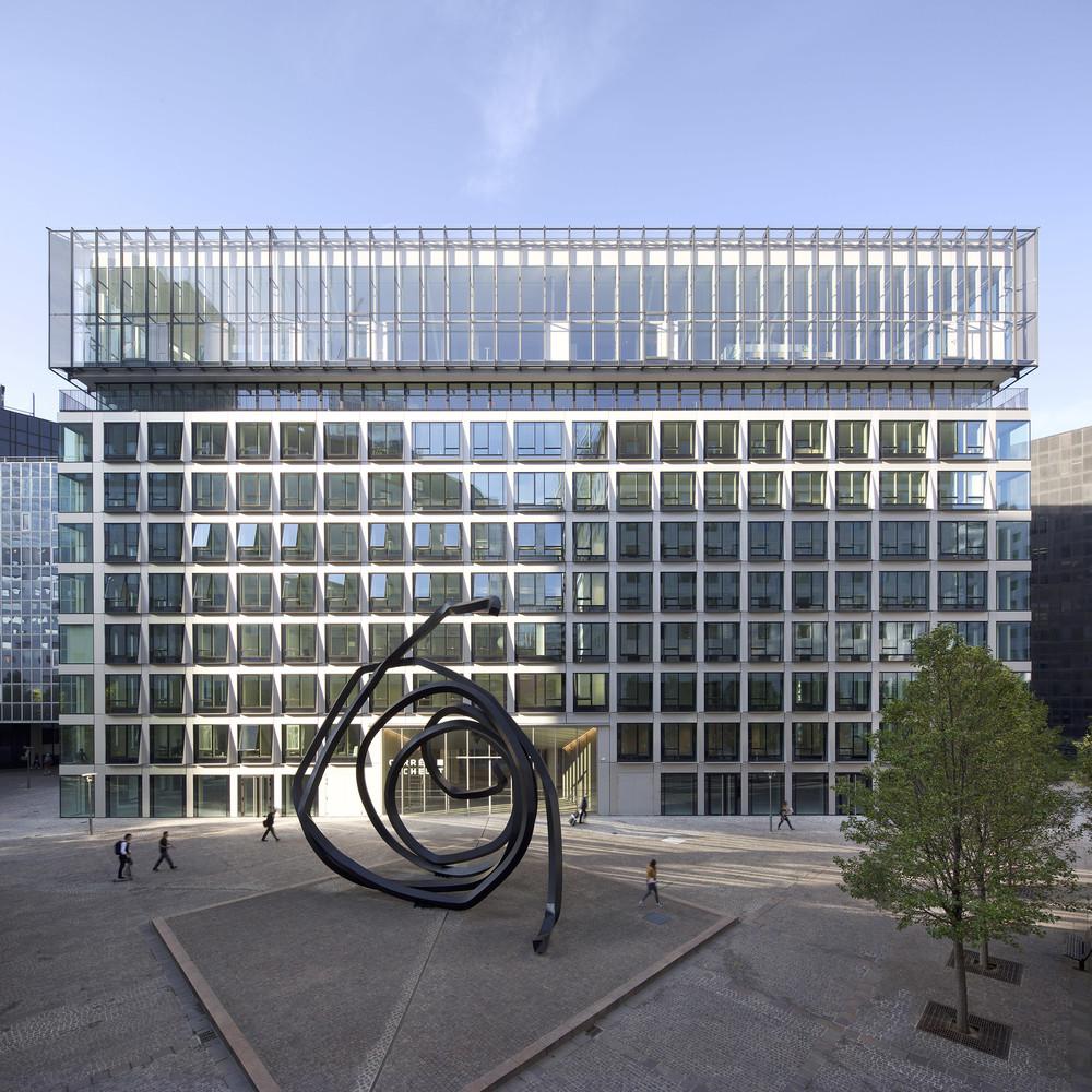 La Défense : un immeuble de bureaux plus haut et plus carré - © Cro&Co